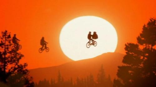 500px-E.T._The_Extra-Terrestrial_Flying_Bikes