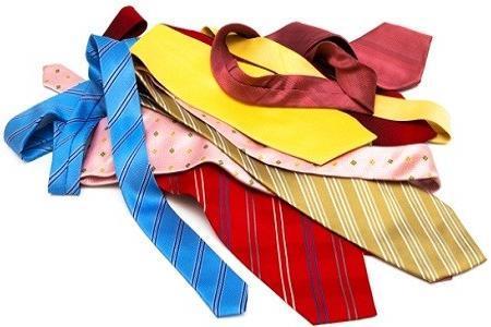 come-realizzare-una-parure-collana-e-bracciale-con-una-vecchia-cravatta_03daa2a7b4520ee7892ec186da355f7b