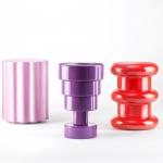 I vasi «Pilastro, Colonna e Calice» di Ettore Sottsass per Kartell. Vasi in policarbonato colorato che realizzano un progetto di Ettore Sottsass del 2004-2005.
