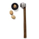 Schiaccianoci in acciaio inox e legno - Menu Nut Hammer € 39,00