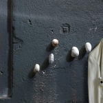 Appendiabiti da parete meteore 5 sassi - Minotti Italia € 189,00
