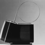 Televisore Algol, disegnato insieme a Marco Zanuso nel 1964, vennero prodotte varie versioni. Fa parte della collezione permanente del MoMA