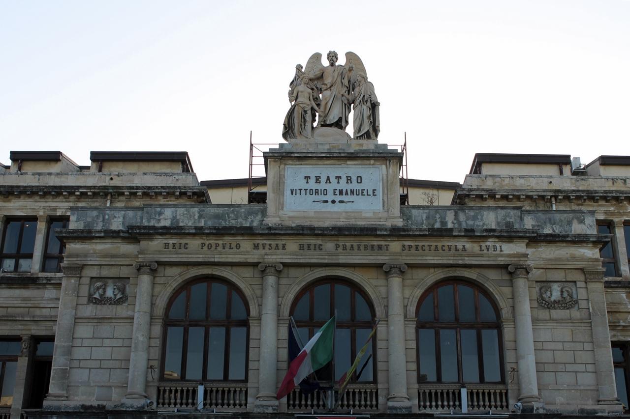 Teatro-Vittorio-emanuele2
