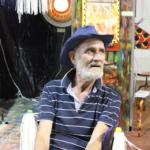 L'artista Stello Quartarone e la sua installazione