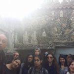 Pierpaolo Zampieri nella casa Cammarata con alcuni alunni delle medie