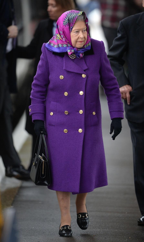La Regina Elisabetta in Ultra Violet